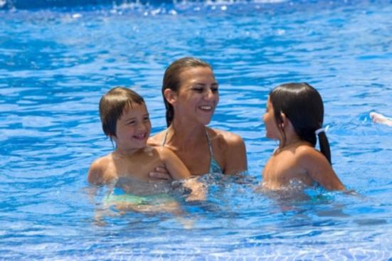 swimming-summer-blog-anupriyamishra
